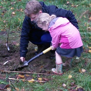 Tree Planting in the Local Community – 15 Oct 18